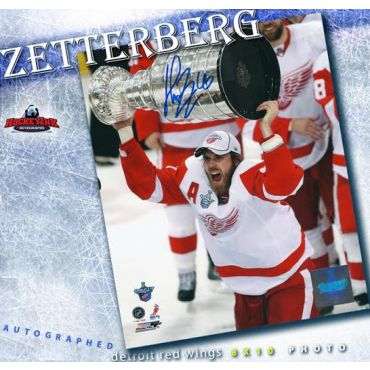 Henrik Zetterberg with Stanely Cup Detroit Red Wings 8 x 10 Autographed Photo