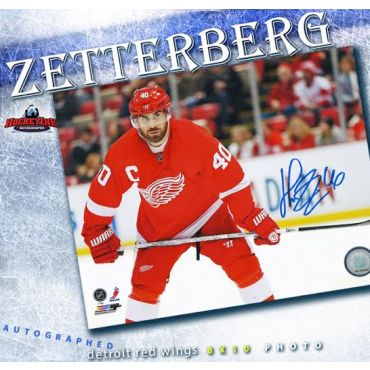 Henrik Zetterberg  Detroit Red Wings 8 x 10 Autographed Photo