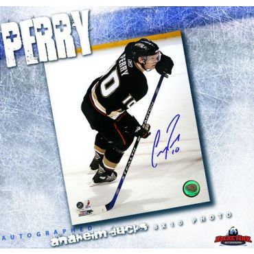 Corey Perry Anaheim Ducks Autographed 8 x 10 photo
