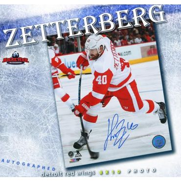 Henrik Zetterberg Detroit Red Wings Autographed 8 x 10 Photo