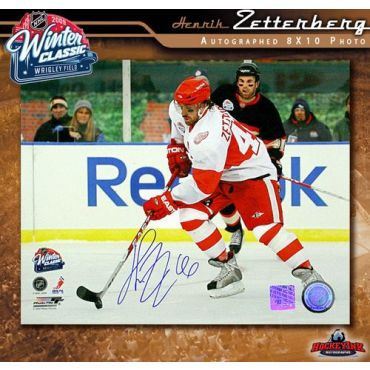 Henrik Zetterberg 2009 Winter Classic 8 x 10 Autographed Photo