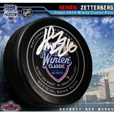 Henrik Zetterberg Autographed 2015 NHL Winter Classic Official Game Puck