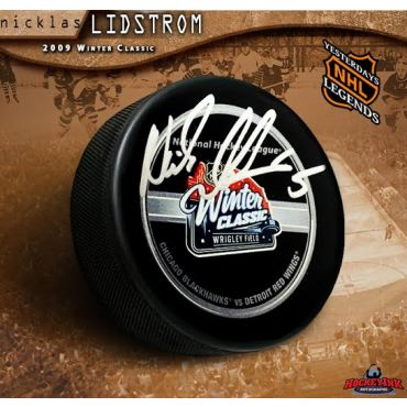Nicklas Lidstrom Autographed 2009 NHL Winter Classic Official Game Puck