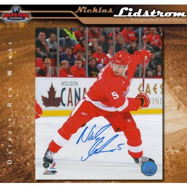 Nicklas Lidstrom Autographed Detroit Red Wings 8 x 10 Photo