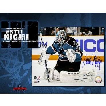 Antti Niemi San Jose Sharks 8 x 10 Autographed Photo