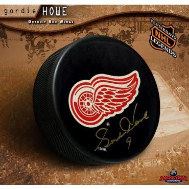 Gordie Howe Autographed Detroit Red Wings Hockey Puck