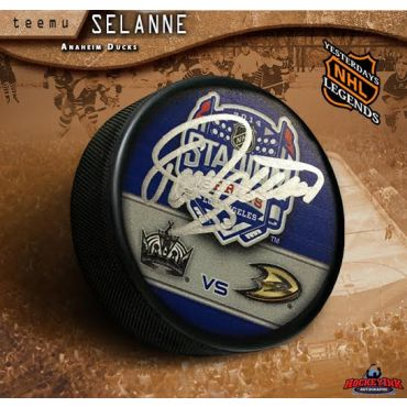 Teemu Selanne Autographed 2014 NHL Stadium Series Hockey Puck