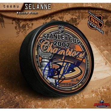 Teemu Selanne Anaheim Ducks Autographed 2007 Stanley Cup Champions Hockey Puck